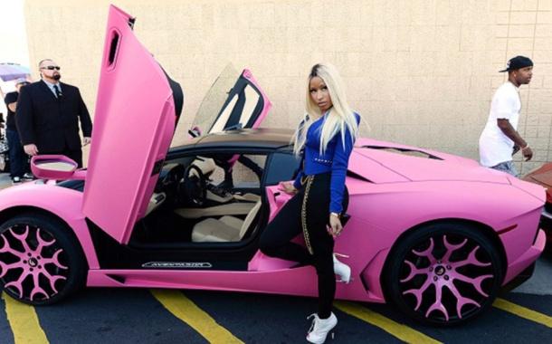 Nicki-Minajs-Pink-Lamborghini-Aventador
